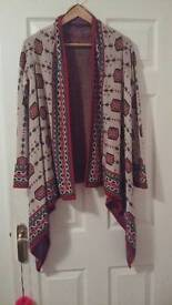 Cardigan red and beige beautiful pattern