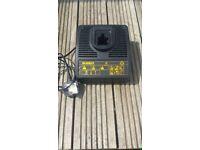 Dewalt DE9117 230v 7.2v -18v 15 minute fast charger
