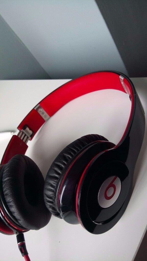 Beats audio headphones by Dr Dre Solo HD