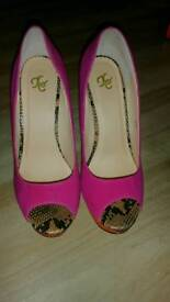 Gorgeous suede shoes size 6
