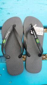 NEW Authentic brasilian Ipanema flip flops. Size 4.