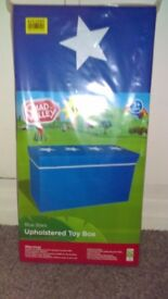 CHAD VALLEY UPHOLSTERED TOY BOX