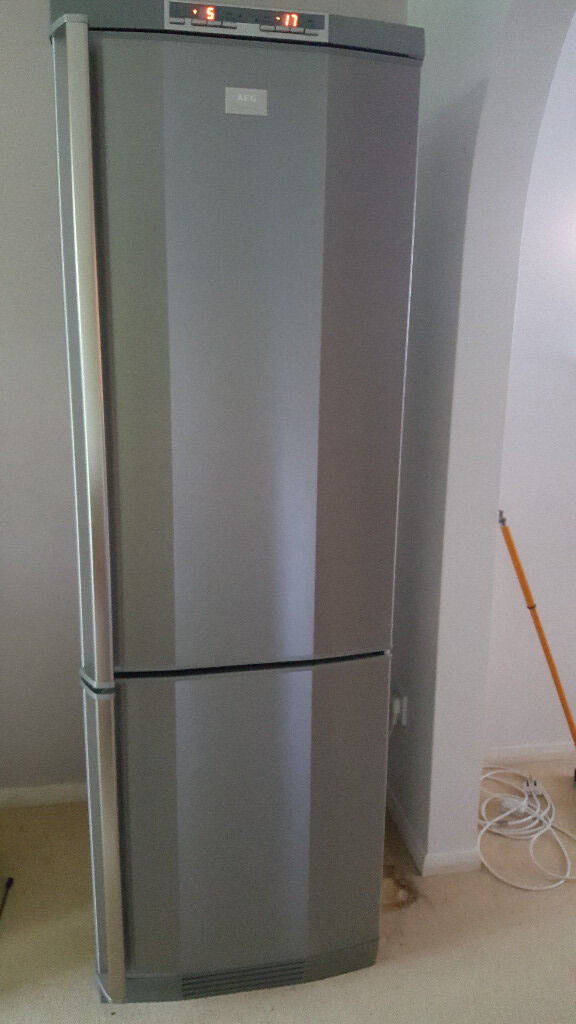 aeg santo fridge freezer with frostmatic and coolmatic in peterborough cambridgeshire gumtree. Black Bedroom Furniture Sets. Home Design Ideas