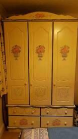 yellow and blue wardrobe
