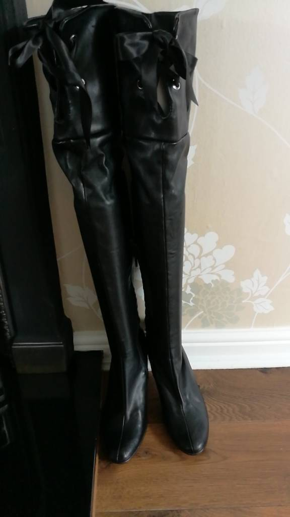 Thigh high Black pleather boots