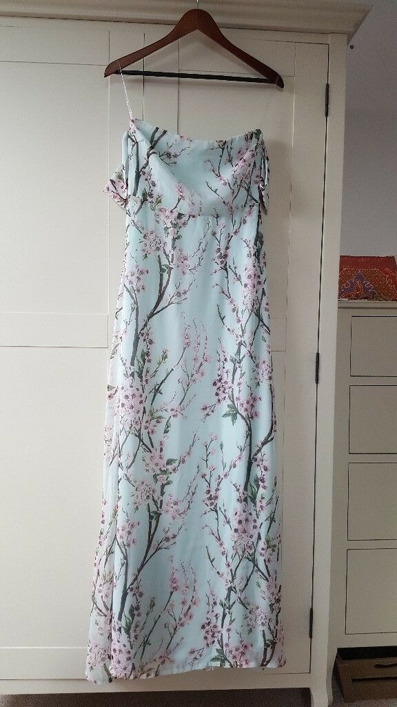BOOHOO JESSICA FLORAL OFF THE SHOULDER MAXI DRESS. SIZE 14. NEVER WORN. WITH LABEL