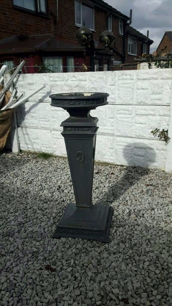 cast iron garden planter / bird bath / garden salvage / vintage garden / patio / decking area / old