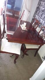 Table & 4 chairs £100 ono