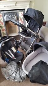 Oyster travel system with carrycot, buggy and britax car seat