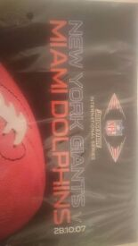 BNIB-GIANTS V DOLPHINS PROGRAMME  2007 FIRST NFL INTERNATIONAL GAME AT WEMBLEY-GIFT TOWEL INCLUDED