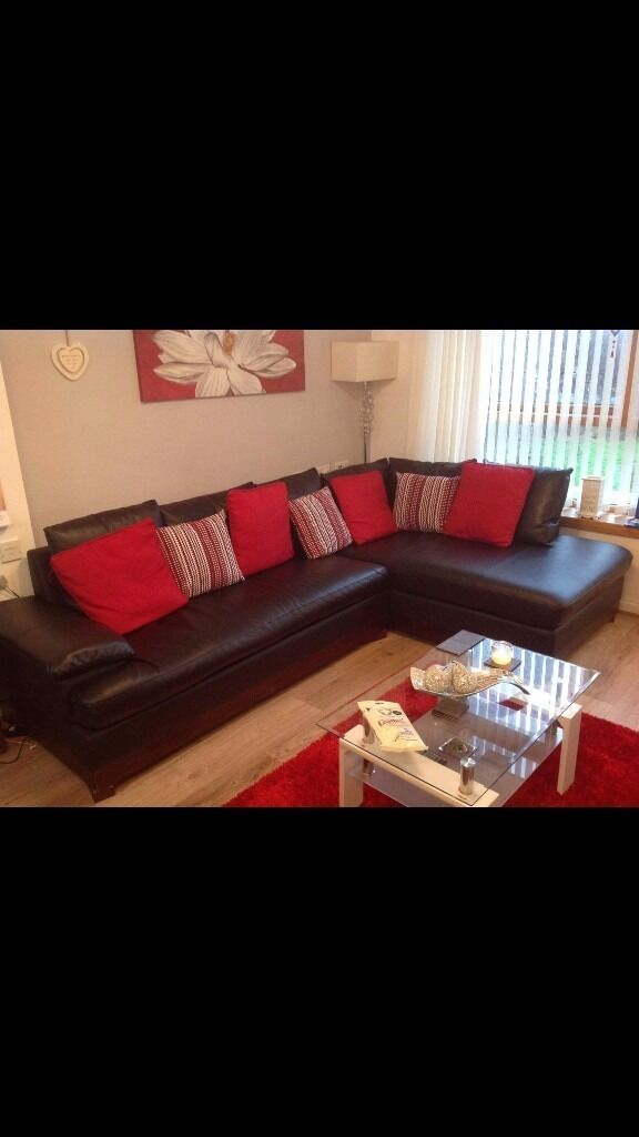 Leather corner sofain Southside, GlasgowGumtree - Lovely black leather corner sofa for sale Just under 2 years old great condition apart from a few scratches hence the price & which I have shown in the photos !! Paid 1000 for it less than 2 years ago so looking for 400 ovno Collection only please !!...