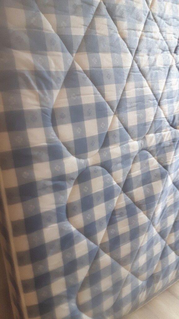 4 foot mattress