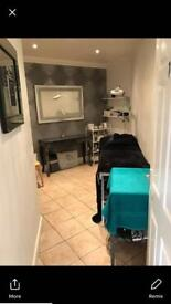 Beauty/ therapist room and nail bar to rent