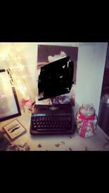 Wedding decoration-hand sprayed black glitter typewriter