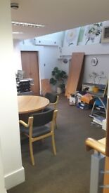 OFFICE TO RENT – AVAILABLE IMMIDIATELY – W11. Great location! 3 min walking from tube station.