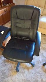 Office swivel chair in black