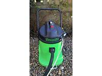 Numatic CTD900-2 Valet cleaner, Upholstry Cleaner, Carpet Cleaner.. (Can ship UK)
