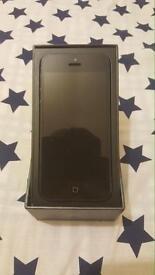 I phone 5 32gb unlocked with box £110