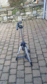 Jessops TP323 tripod with pan head and extending legs-barely used