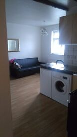 STUDIO FURNISHED APARTMENT ASHGATE CHESTERFIELD- no agency, low bills - parking included