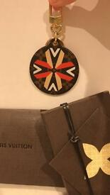 Louis Vuitton ilustre limited edition keyring
