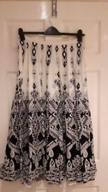 Black and white skirt, great condition