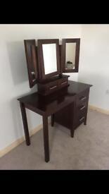 Dressing table /make up /Dresser