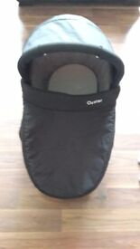 Oyster carry cot