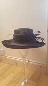 LADIES WEDDING /OCCASION NAVY HAT (£35 O.N.O)EXCELLENT CONDITION