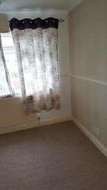one bedroom to rent in the Glenfield area beside the Glenfield hospital.only working individuals pls