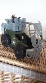 Army truck & figures