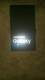 Brand new s7 unlocked 32gb