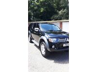 Mitsubishi L200 elegance (top of range) 4x4 with rear canopy heated leathers remote LCD