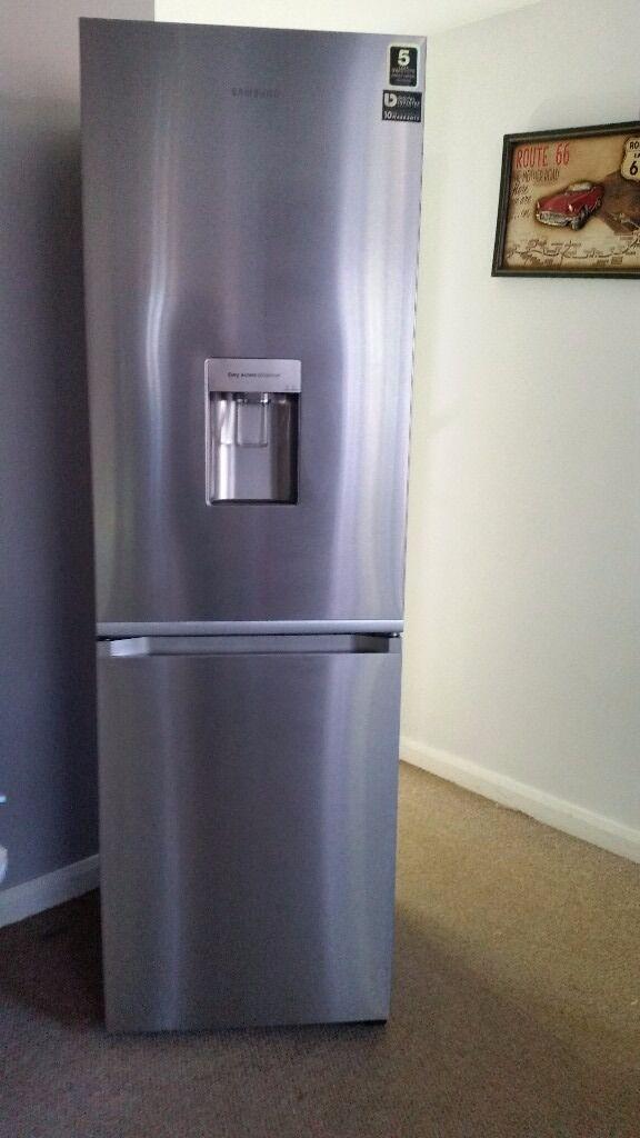 Samsung RB38J7535SR RB Combi Range Fridge Freezer 60cm 70/30 Free Standing