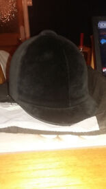 Horse riding hat size 6.5.