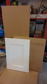 Surplus Kitchen Cabinet Doors and Cornice: White Painted Shaker