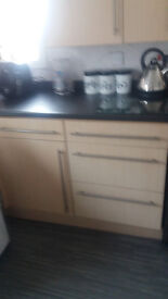 fitted kitchen units/sink/worktops/plinth and upstands