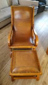 Slipper chair oak with foitstool