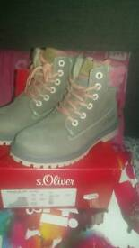 For Sale New Children's s oliver size 31 boots