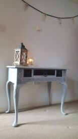 solid oak dressing table / side table 3 drawers