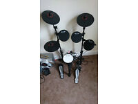 Carlsbro CSD130 - Compact Electronic Drum Kit