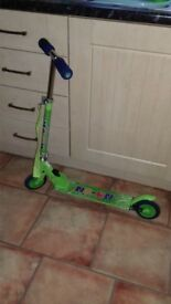 Childrens green 2-wheel scooter