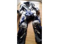 ******MOTORCYCLE CLOTHING - CHEAP PRICES***** - ALL TYPES ––LONDON BARKING