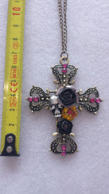 Gothic style cross necklace. The perfect Christmas stocking filler for any Goth.