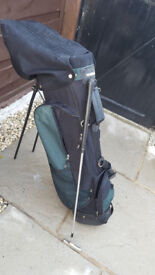 Used Techedge stand golf Bag with putting club.. Used Techedge stand golf Bag with putting club