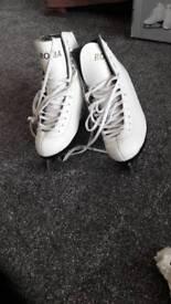 Ladies ice skating boots uk5