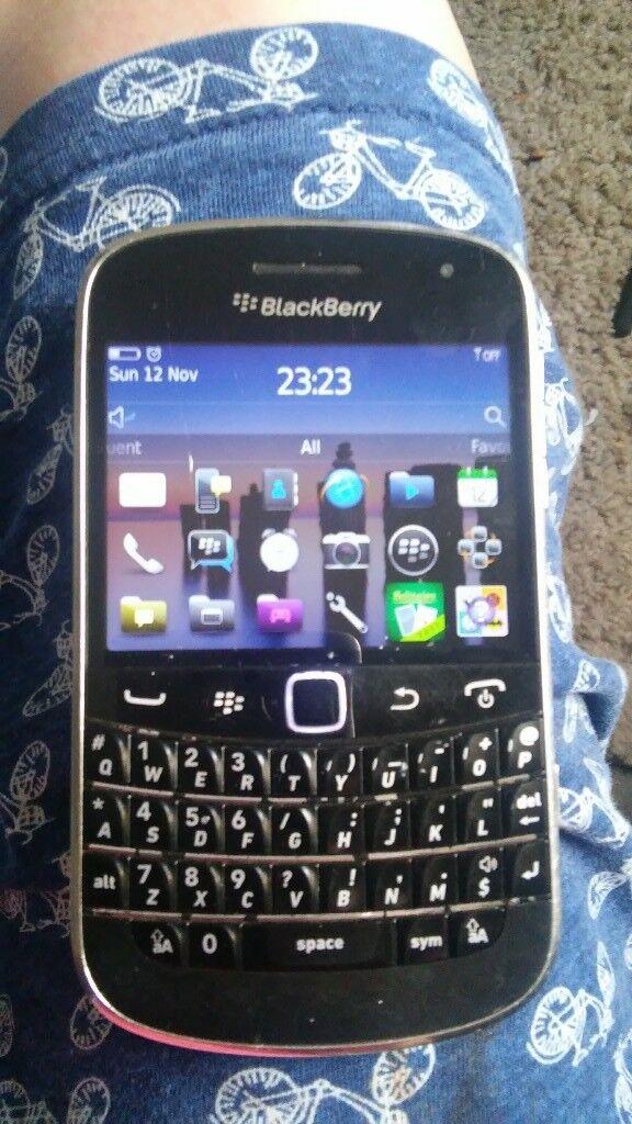 Blackberry bold 9900.... Mobile handset