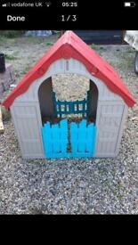 Toy plastic play house dolls house