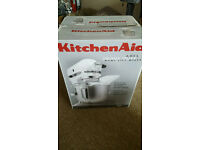 KitchenAid 4.8L stand mixer + 3 attachments