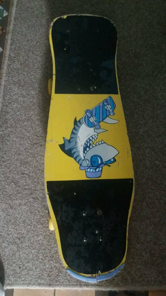 Vintage Skateboardin Neath Port Talbot - visible wear requires a screw on the base